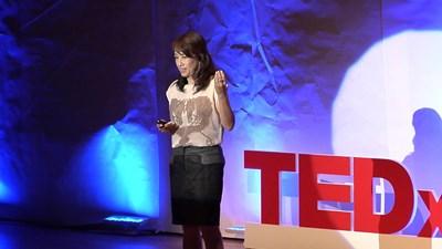 Sức Mạnh của Tính Hiếu Kì: Hitomi Kumasaka tại TEDxKyoto 2012