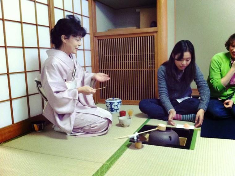 Douzo, o saki ni - Phép xã giao ở Nhật