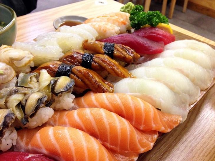 Bạn có biết vì sao người Nhật Bản ăn cá 5 bữa/tuần không? - ảnh 3