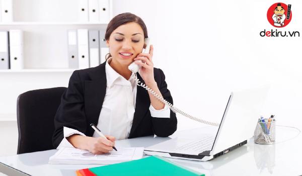 Nhân viên chăm sóc khách hàng cũng cần sử dụng kính ngữ